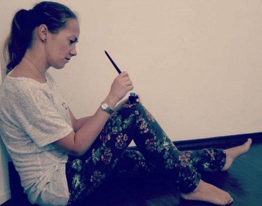 Scriind in casa
