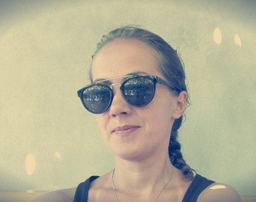 Eu cu ochelari de soare