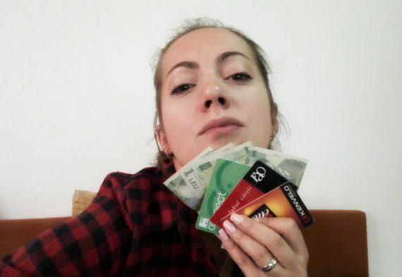 Sotia cu bani si carduri