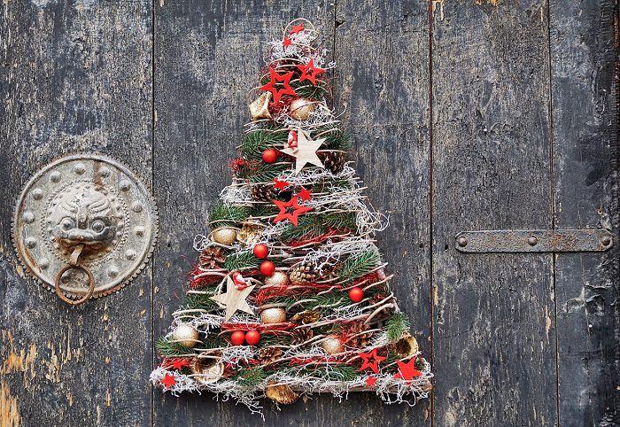 decoratiune de Craciun pe usa