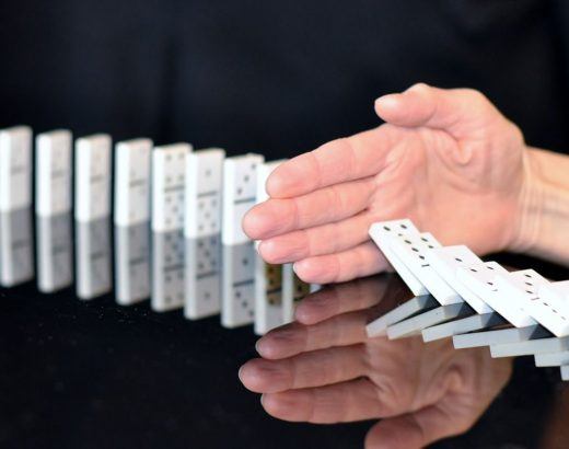 mana care opreste domino